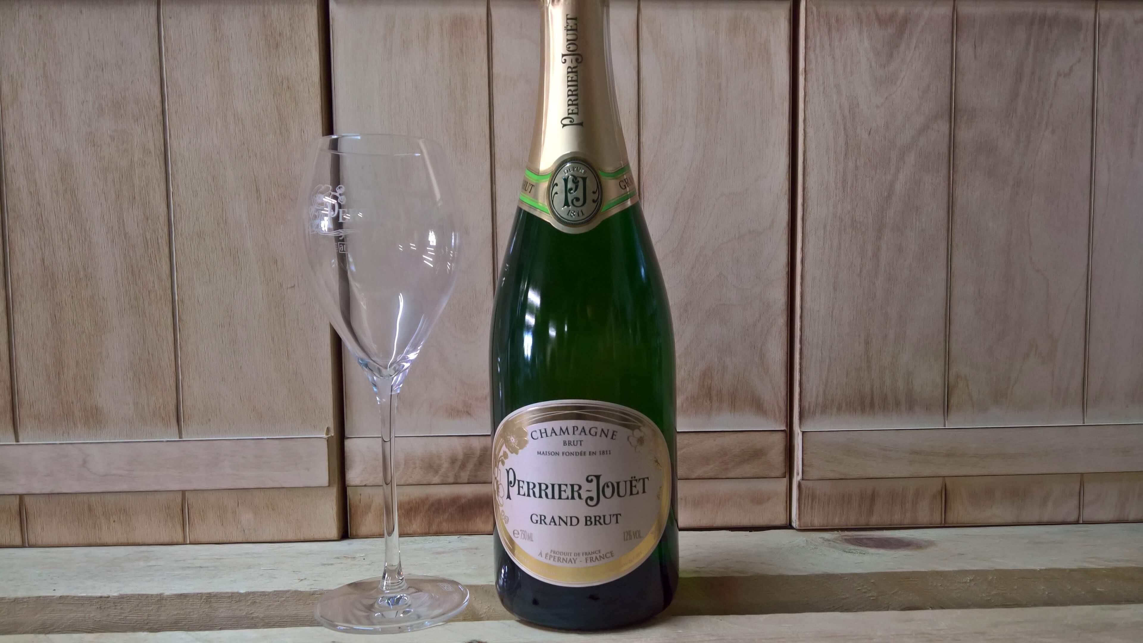 Perrier-Jouet mit Champagnerkelch