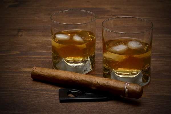 whisky-3313592_1920