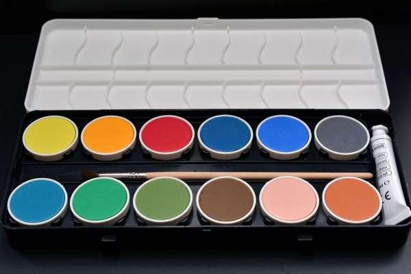 paint-boxes-1189945_1920