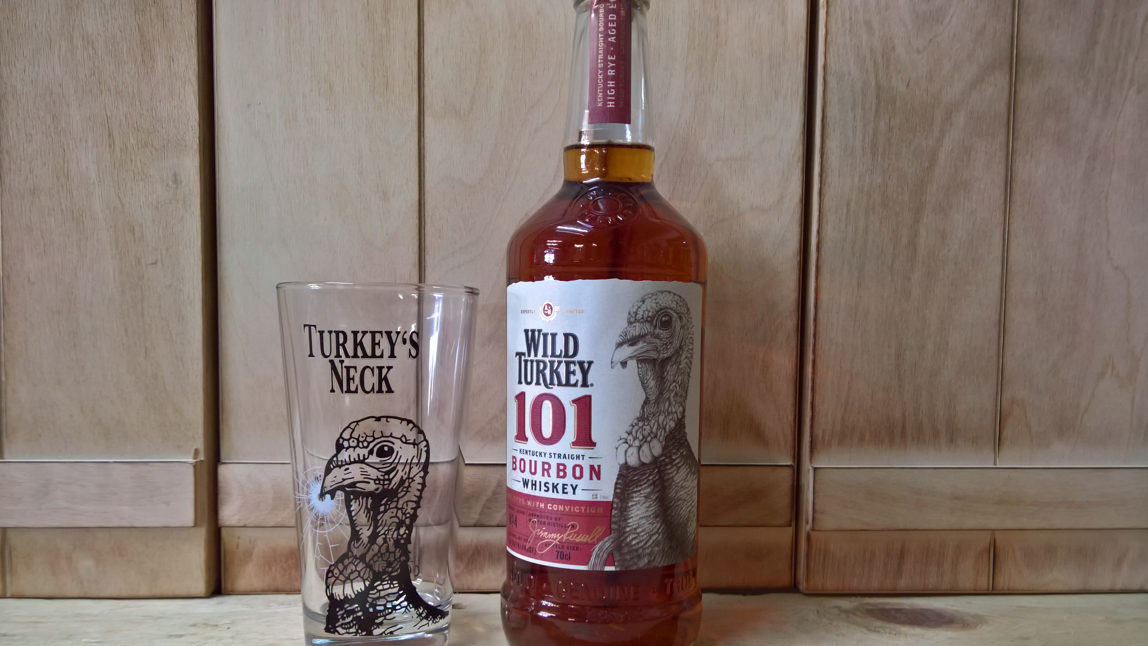 Wild Turkey 101 Bourbon mit Glas