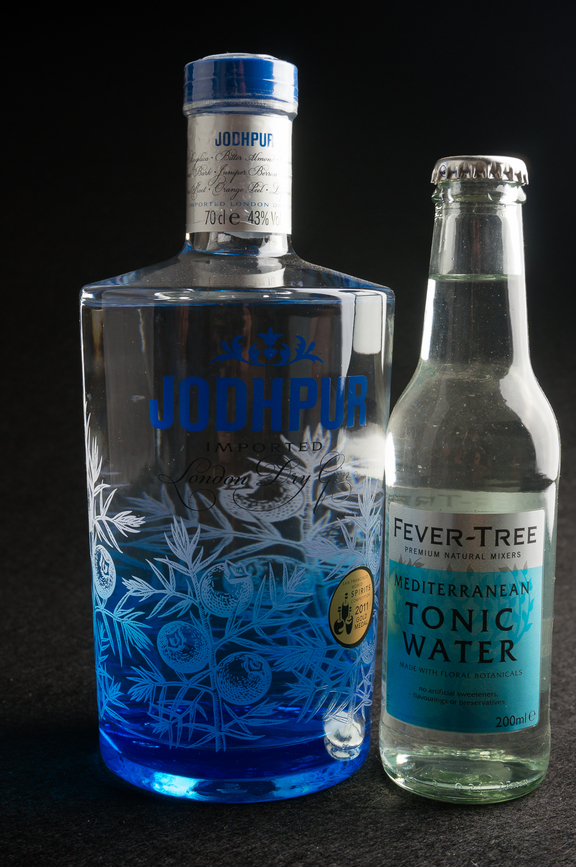 Conalco-Jodhpur-London-Dry-Gin-mit-Fever-Tree-Mediterranean-Tonic-Water