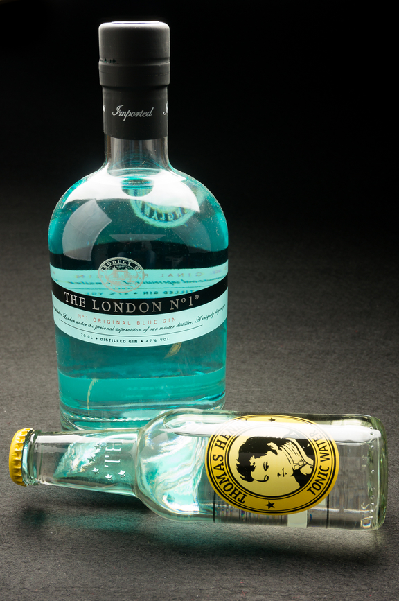 Conalco-Thomas-Henry-Tonic-Water-mit-London-No1-Original-Blue-Gin