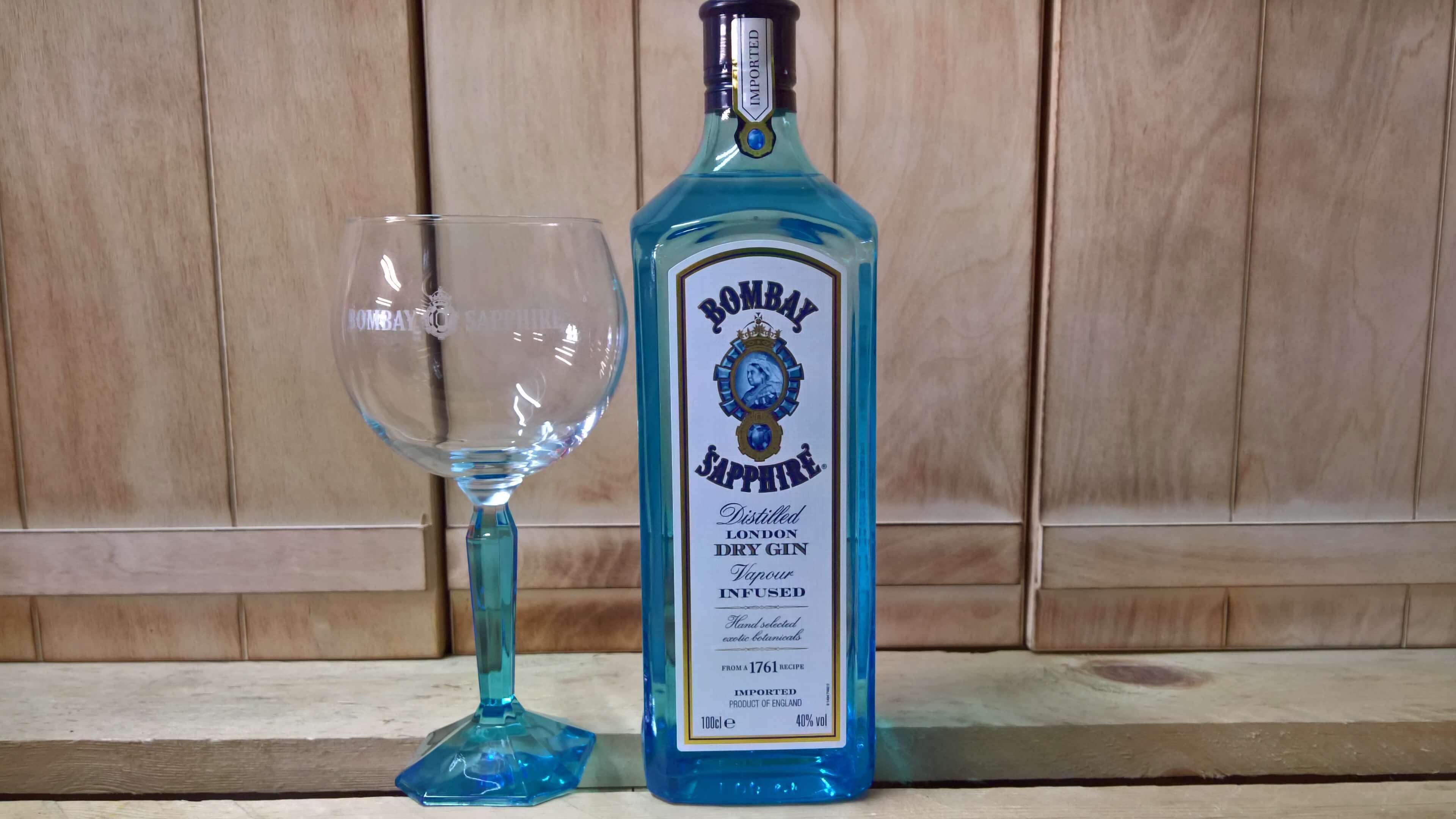 Bombay Sapphire mit Glas