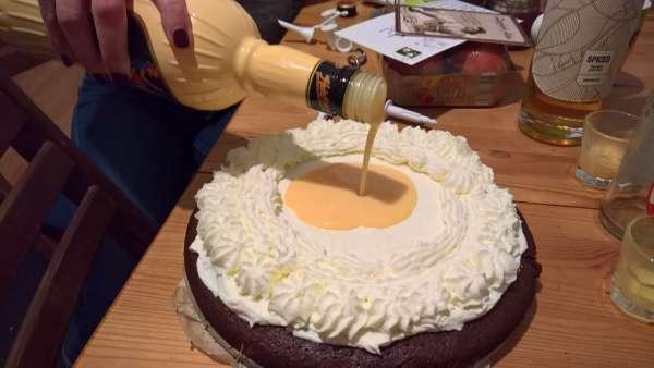 Eierlikor-auf-Kuchen